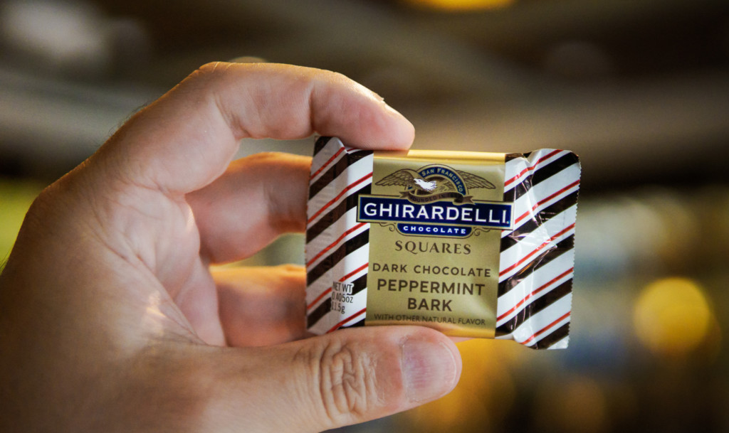 Amostra grátis de chocolate Ghirardelli em Disney Springs